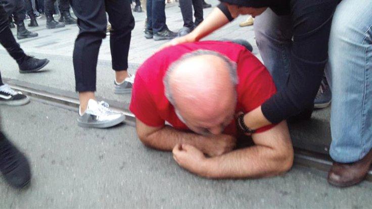 Polis yeryüzü sofrasını dağıtıp İhsan Eliaçık'ı darp etti