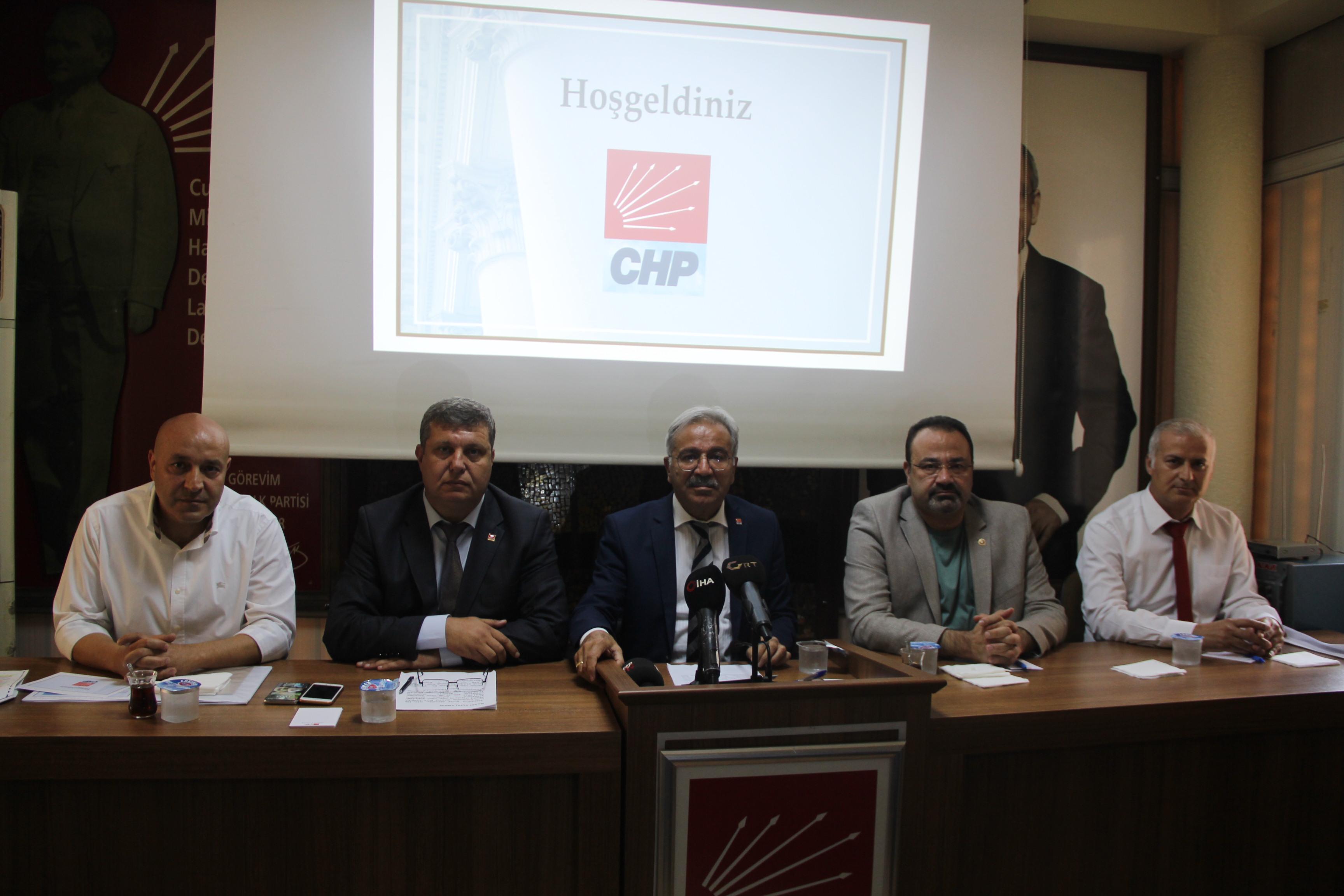 İptal edilen imar planının askıya çıkarılmasına CHP'lilerden tepki