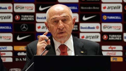 TFF Başkanı Nihat Özdemir: Süper gidiyoruz, aman nazar değmesin