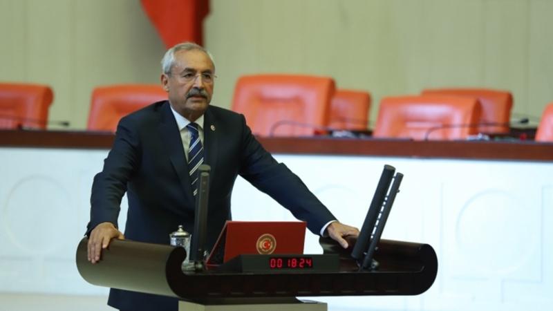 """CHP'li Milletvekili: """"Sağlık çalışanları yine adaletsizliğe uğradı"""""""