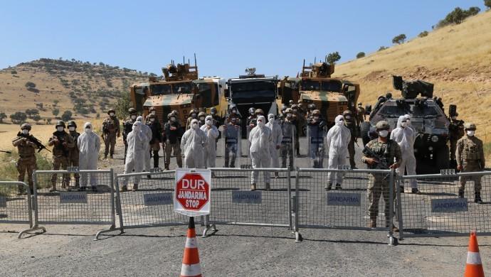 Saldırıya uğradıktan sonra karantinaya alınan Kürt işçilerin köyünde test yapılmadı
