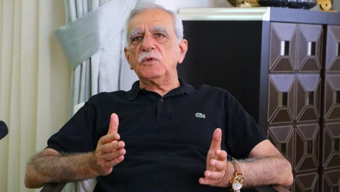 Ahmet Türk 'Kobanê soruşturması' kapsamında ifade veriyor