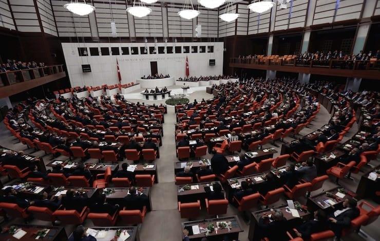 Meclis'te bugüne kadar 142 vekil Covid-19'a yakalandı