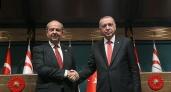 Kıbrıs'ta Erdoğan'a boykot: Tatar'dan 'ihanet', muhalefetten 'biat' çıkışı