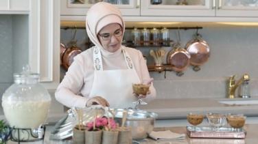 """Emine Erdoğan'ın """"yemek tarifleri"""" kitabına devlet bütçesinden 1 milyon TL"""