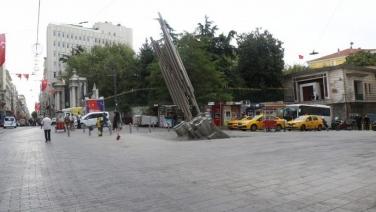 Galatasaray Meydanı özgürleşti,polis ablukası kaldırıldı